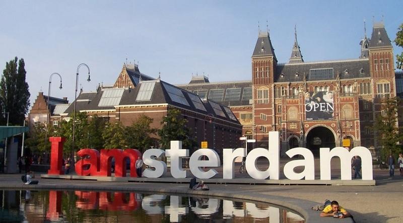 Museumplein praça do Museu em Amsterdã