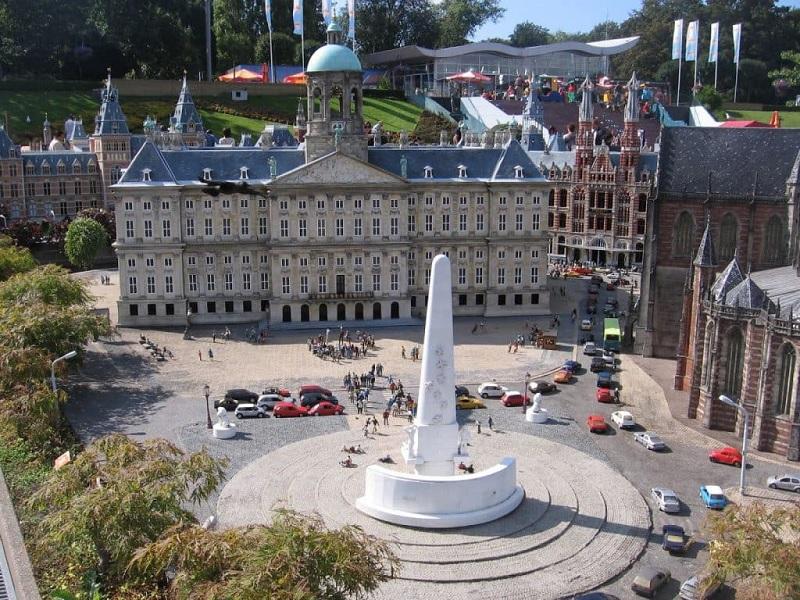 Palácio Real na Praça Dam em Amsterdã