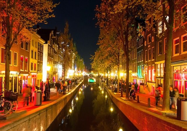 Red Light District à noite em Amsterdã