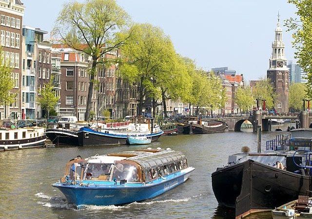 Passeio nos canais de Amsterdã