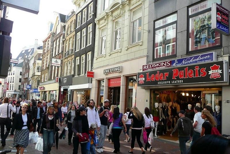 Rua Kalverstraat em Amsterdã