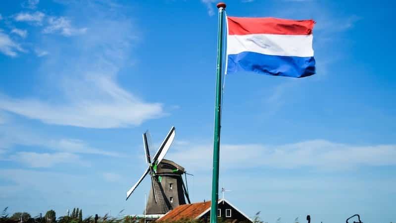 Língua que é falada em Amsterdã