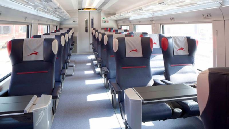 Interior do trem na Europa