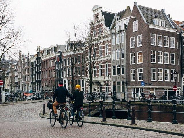 Como transferir dinheiro para Amsterdã