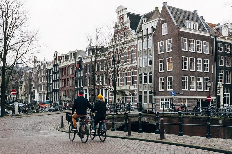 Passeio de bicicleta em Amsterdã