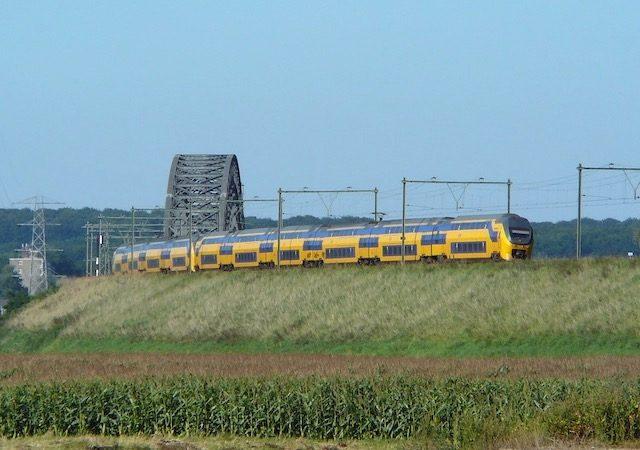 Viagem de trem de Amsterdã a Arnhem