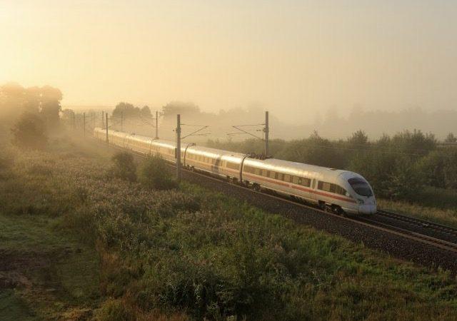 Viagem de trem de Amsterdã a Frankfurt