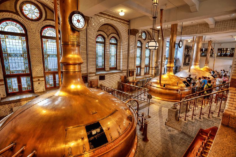 Interior da Heineken Experience em Amsterdã