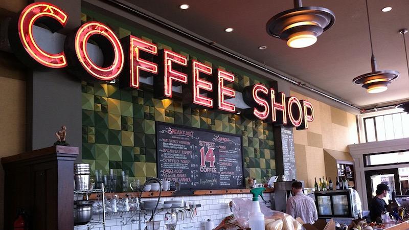 Interior do Coffee Shop Hunter's em Amsterdã