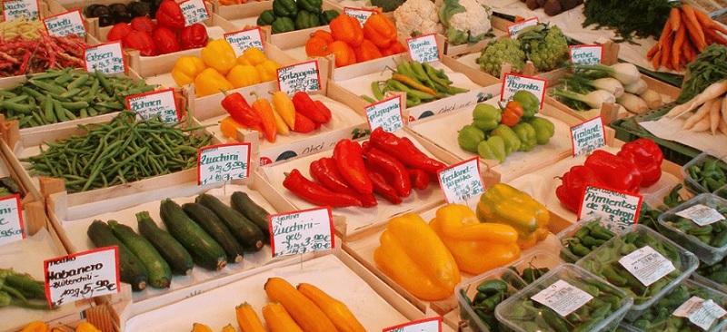 Legumes no supermercado Coop em Amsterdã