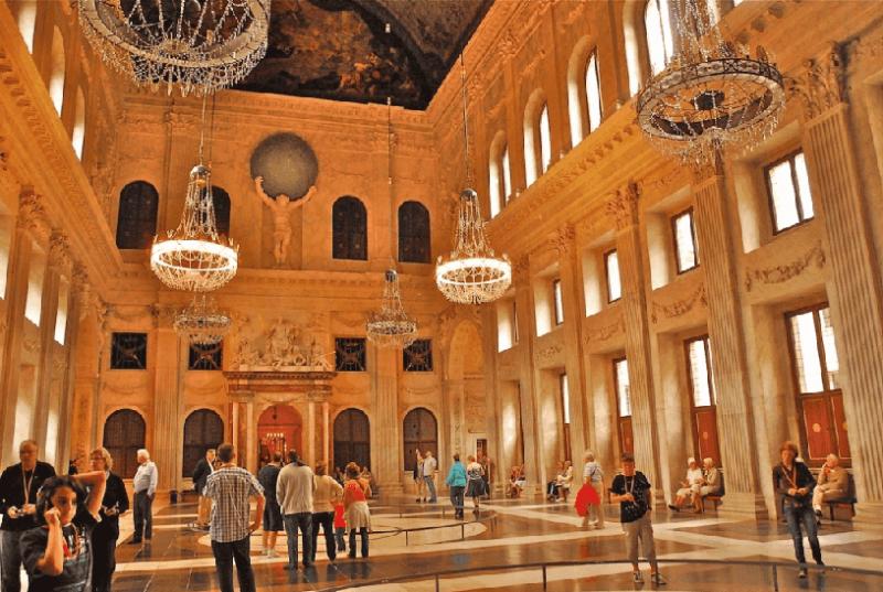 Interior do Palácio Real de Amsterdã