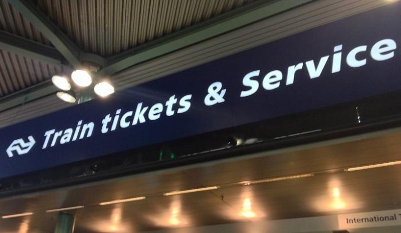 Área de ticket para trens em Amsterdã