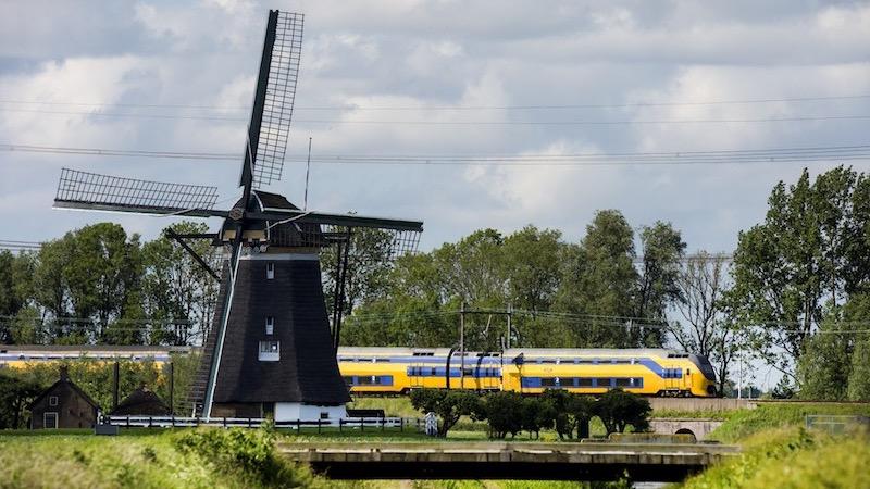 Viagem de trem na Holanda