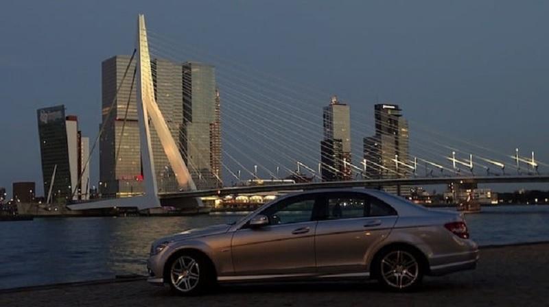 Carro em Roterdã