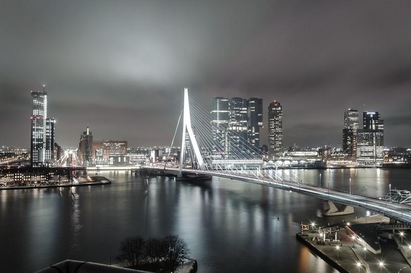 O que fazer à noite em Roterdã