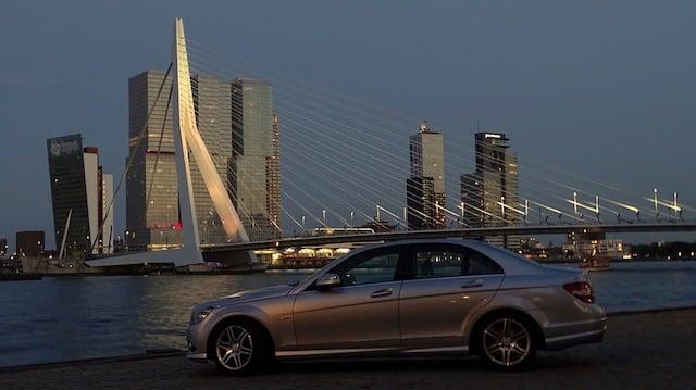 Carro em Roterdã na Holanda