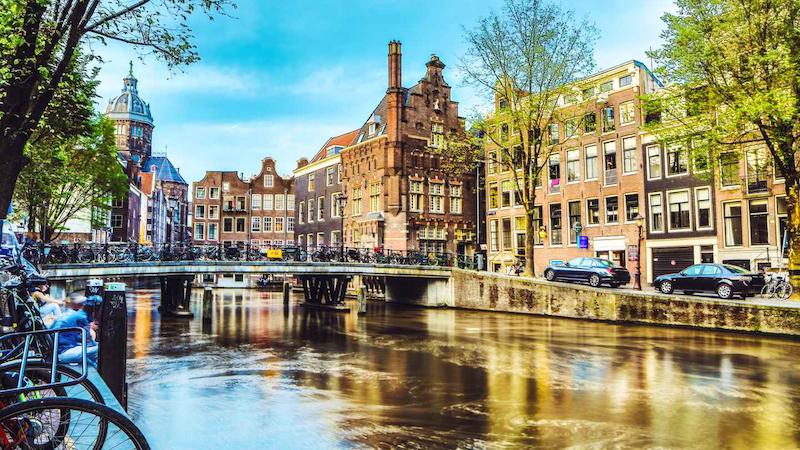 Passeio ao redor do canal de Amsterdã