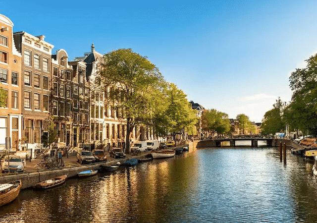 Paisagem do rio em Amsterdã