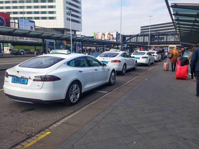 Táxi em Amsterdã e Holanda