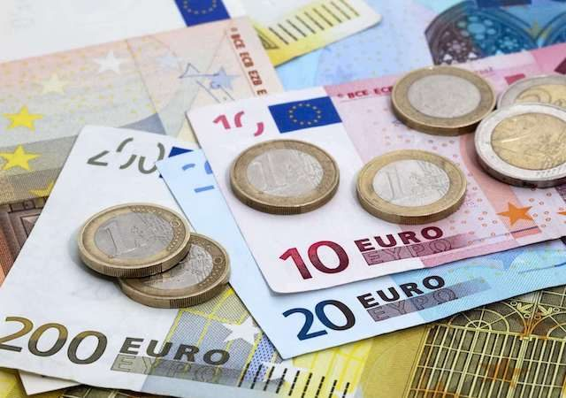 Como levar dinheiro para Roterdã