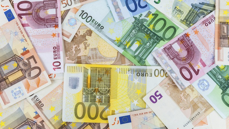 Notas de euros em Roterdã