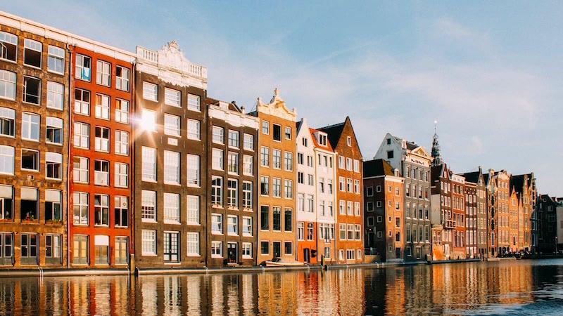 Como viajar muito barato a Amsterdã